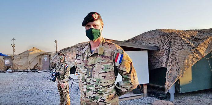Kapitein Wouter. Sinds begin deze maand zitten 150 Nederlandse militairen in Erbil in Koerdisch Irak. Ze bewaken er het vliegveld.