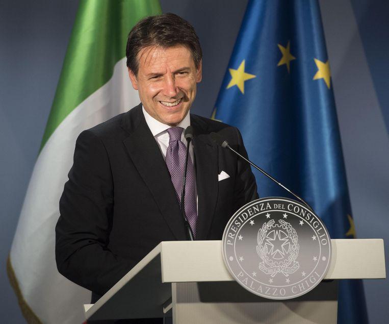 De Italiaanse premier Giuseppe Conte tijdens een persconferentie na de eurotop in Brussel   Beeld EPA