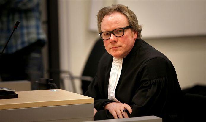 De Deventer advocaat Jan Vlug maakt zich zorgen om de gefinancierde rechtsbijstand; reden voor de SP-fractie om Kamervragen te stellen.