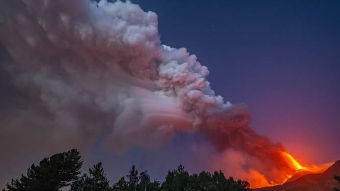 L'Etna crache à nouveau de la lave et des cendres