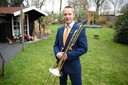 Voorzitter Rob Hulshof van het Almelose fanfareorkest Wilhelmina laat weten dat zijn orkest het op dit moment nog kan redden met subsidie en contributie.