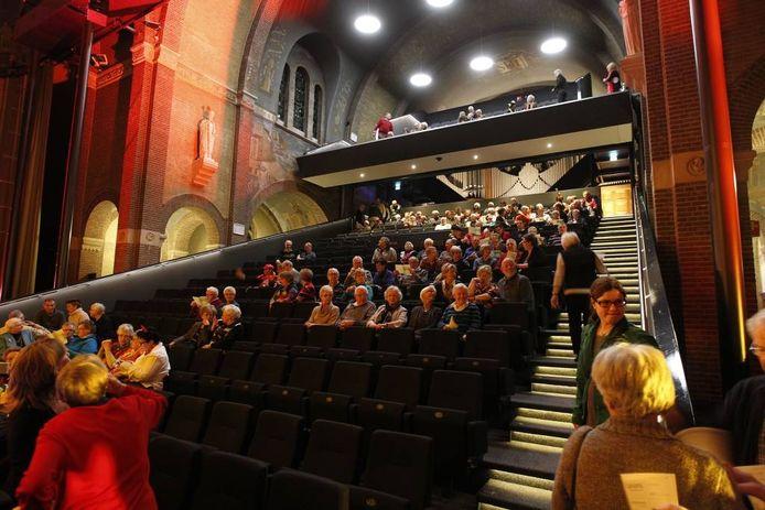 Genesius beet zaterdag het spits af in het nieuwe theater in Helmond. foto Ton van de Meulenhof
