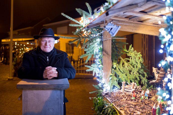 Karel Laureys (78) stopt na 26 jaar met de minikerststallen in Itegem.
