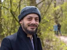 Mehdi haalt radeloze dakloze man in huis: 'We speelden op de PlayStation en aten een uitsmijter'