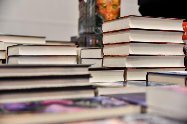 Gebruikers van de bib mogen zoveel  boeken ontlenen als ze maar kunnen dragen.