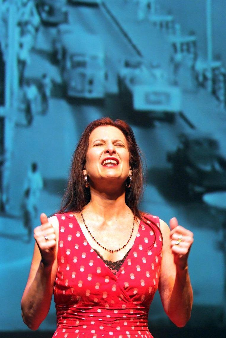 Beeld uit de voorstelling Saida van Julius Leeft Beeld Jean van Lingen