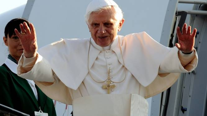 Britse weerstand tegen staatsbezoek paus groeit