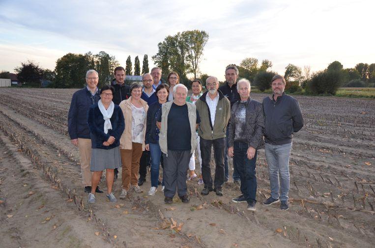 De verschillende Lokerse buurtcomités scharen zich achter de oproep van Hervé Devos (midden).