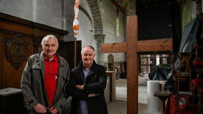 """Kleinste kerkje van de streek, maar wel gigantische restauratie: """"Over drie jaar prachtige kerk als nieuw"""""""
