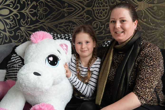 Priscilla Jansen en dochter Dilylah.