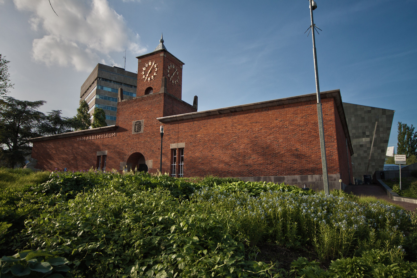Het Van Abbemuseum.