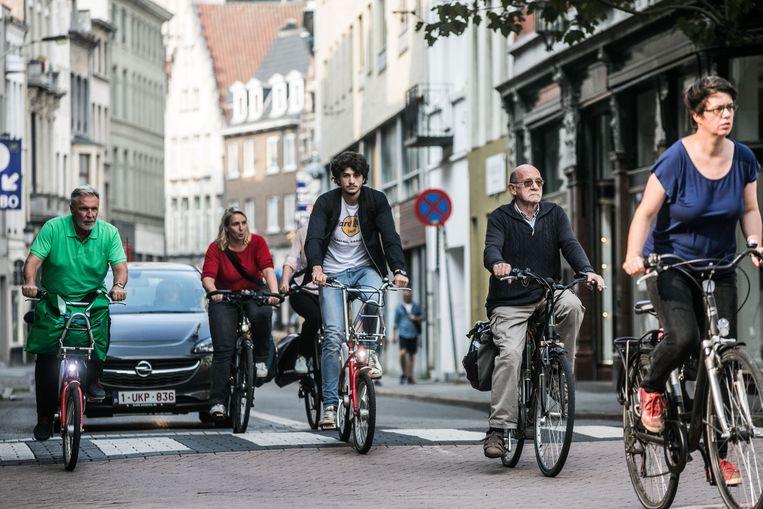 Fietsers in Antwerpen. Beeld Bas Bogaerts