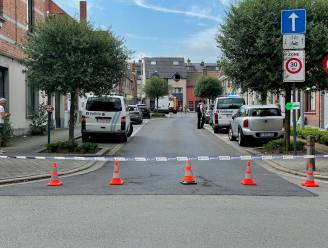 Kraantje zorgt voor gaslek bij werken aan voetpad in Kortrijk