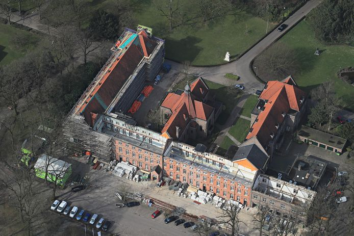 De verbouwing van Eikenburg in Eindhoven in vogelvlucht.