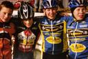 Links op de foto: Mathieu van der Poel, Van Aerts eeuwige concurrent. Rechts: de broers Diether en Laurens Sweeck, die de jonge Wout meestal overvleugelden als jonge veldrijder.