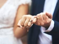 Leurs photos de mariage leur coûteront cher
