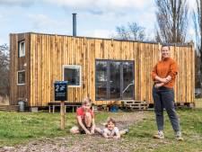 Parel woont met haar gezin op 42 vierkante meter: 'Het had nog wel kleiner gekund'
