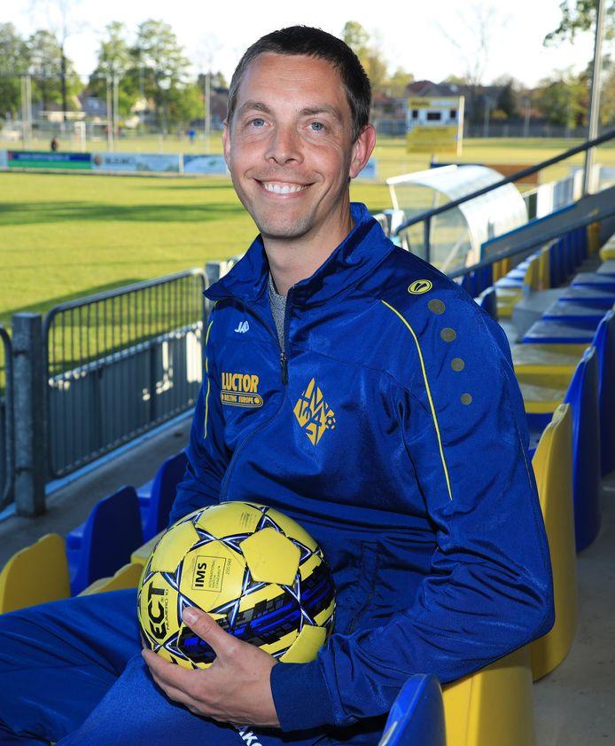 Niels Breijaert stopt met voetballen en gaat kijken of het trainerschap iets voor hem is.