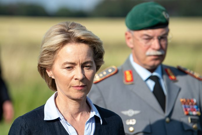 Ursula von der Leyen is nu nog de Duitse minister van Defensie.