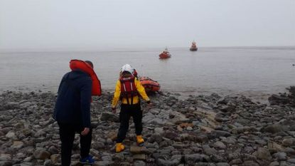 Drie matrozen gered van verlaten Brits eiland na dronken boottripje