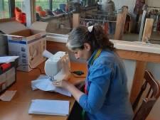 Coupeuse uit Iran is inspiratiebron voor nieuw initiatief in Oisterwijk: het Naai-Verstel-Atelier