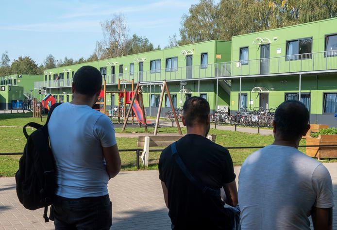 Het azc blijf nog vijf jaar in Harderwijk.