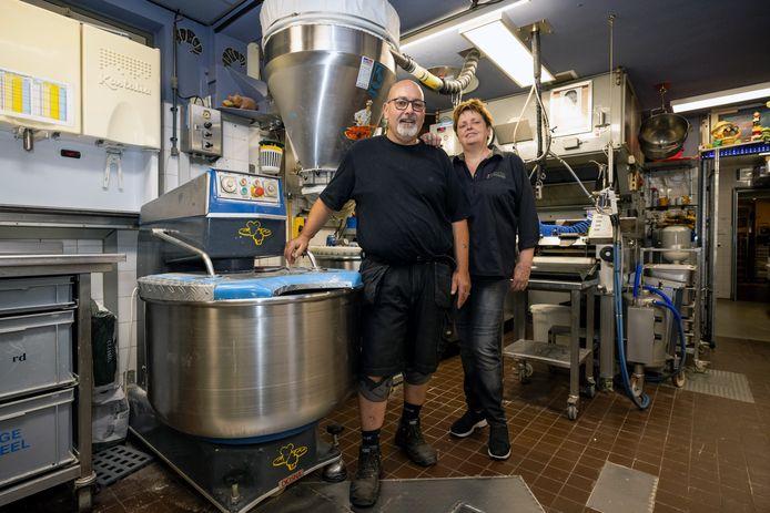 Marc en Thea Erkeland stoppen na 35 jaar met hun bakkerij in Empel.