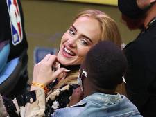 Après des mois passés dans l'ombre, Adele réapparait en public