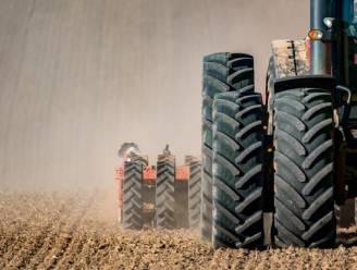 295.000 euro voor tractor met maaiarm en opraapwagen