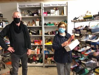 """Dankzij Ward (72) kan serviceclub Kiwanis Tienen Hageland jaarlijks honderden nieuwe schoenen schenken aan goed doel: """"Via mijn contacten kan ik soms in Frankrijk en Nederland een hele lading ophalen"""""""