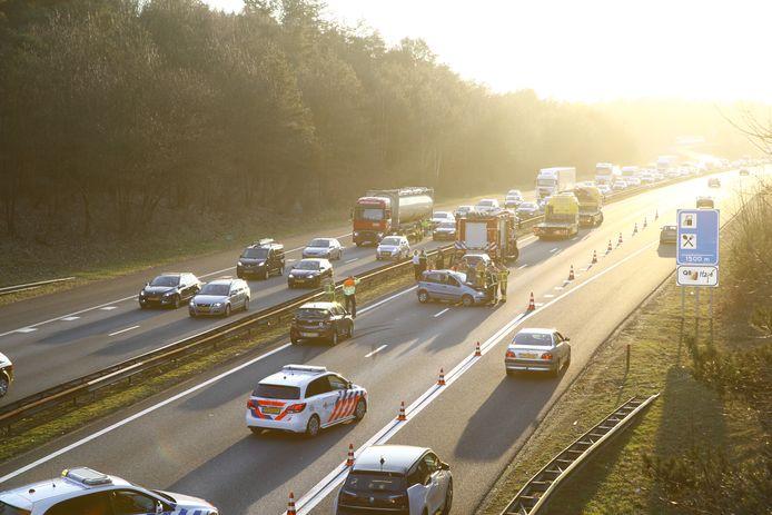Fileleed door een ongeval op de A28 bij Nunspeet.
