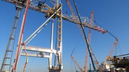 Twee nieuwe megakranen voor Antwerp Gateway
