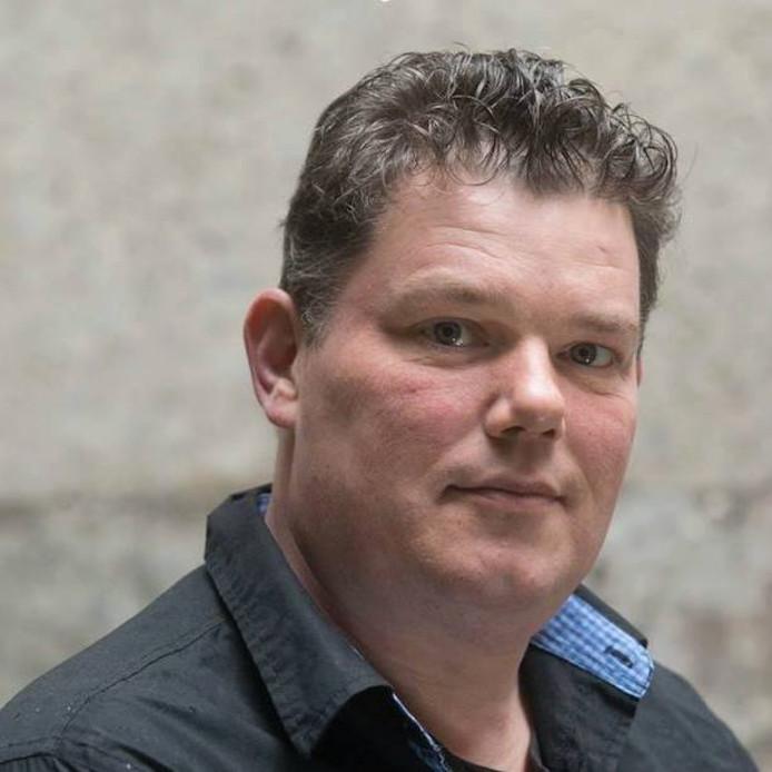 Harjo Schuite uit Zwolle is één van de zes hoofdrolspelers in de televisieserie Zorg uit Handen van Omroep MAX.