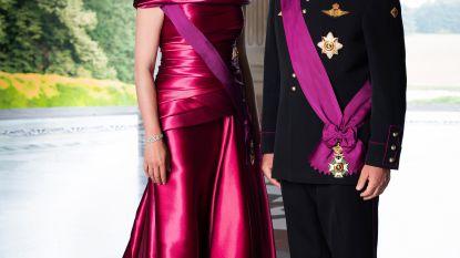 Meningen lopen uiteen over nieuw officieel portret van Filip en Mathilde: nuchter en elegant of is de koning toch niet op zijn gemak?
