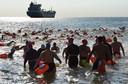 Na twee afgelaste wedstrijden ging de zeezwemtocht tussen Dishoek en Zoutelande woensdagavond wel door.