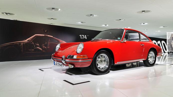 Een van de oudste Porsches 911 ooit is vanaf heden te zien in het Porsche Museum in Stuttgart
