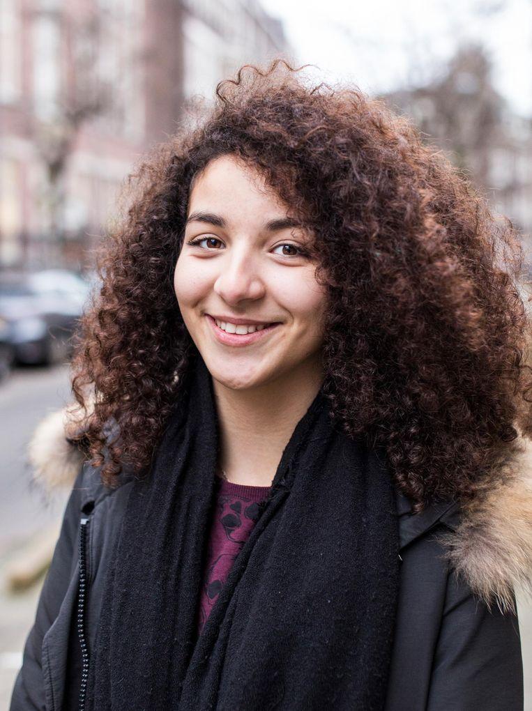 Amina (15) Beeld Eva Plevier