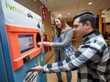 Gratis broodje gezond voor leerlingen Isendoorn Warnsveld als ze hun lege blikje of flesje in The Loop stoppen