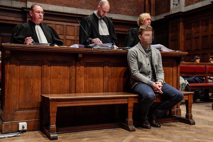 Sven Audenaert met advocaten Frank Scheerlinck en Anthony Mallego.