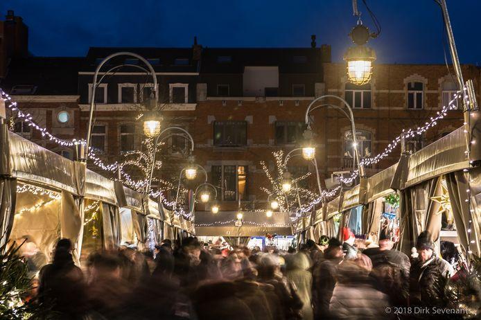 Elk jaar lokt de Leuvense Kerstmarkt een massa volk naar Leuven.