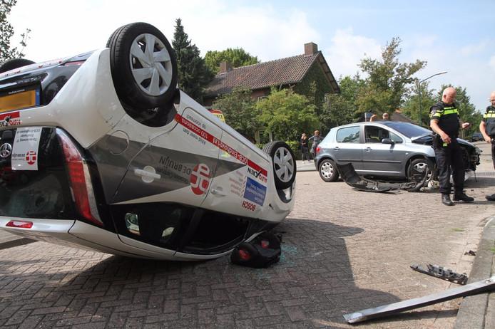 2 gewonden na botsing op kruising in Aarle-Rixtel