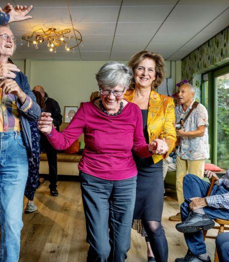 Zoek eens positieve insteek bij dementerende: 'Zorgt ervoor dat ze uit schulp kruipen'