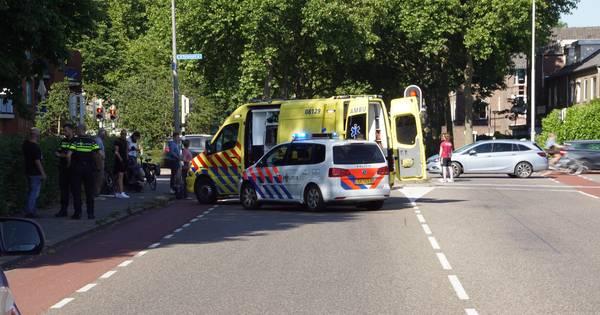 Fietsend meisje aangereden door auto in Nijmegen.