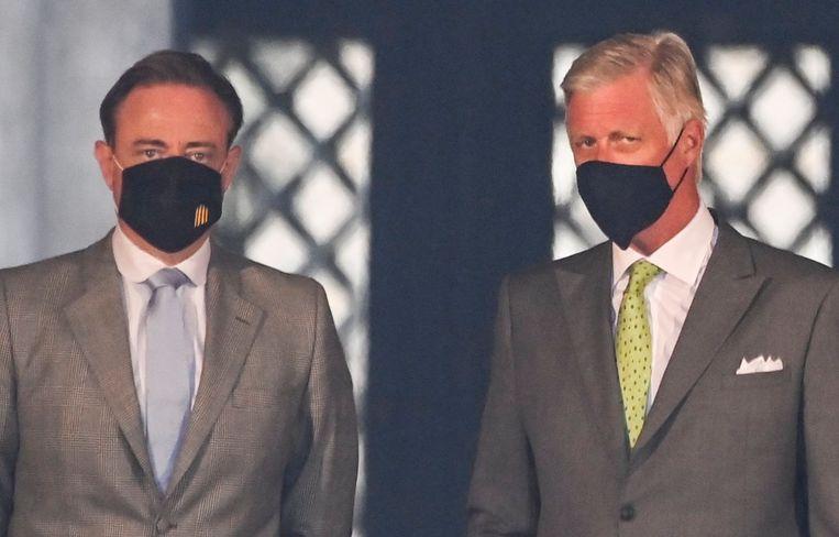 """Toenmalig preformateur Bart De Wever noemde Egbert Lachaerts (Open Vld) weigering  om tot de 'bubbel van vijf' toe te treden """"crimineel onverantwoordelijk"""". Van Cauwelaert: 'Met zulke uitspraken richt hij enorme schade aan.' Beeld Photo News"""