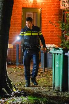 Wéér woningoverval in Houten: dit keer slaan nep-pakketbezorgers met pistool op hoofd van bewoner