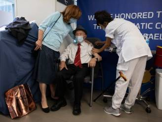 Israël begonnen met derde prik voor 60-plussers, ziekenhuizen zien grote stijging van aantal ernstig zieke COVID-patiënten