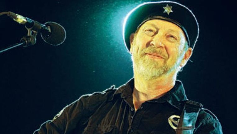 Gitaaracrobaat Richard Thompson pakt op Dream Attic uit met dertien livepareltjes. (Foto Alex Vanhee) Beeld UNKNOWN