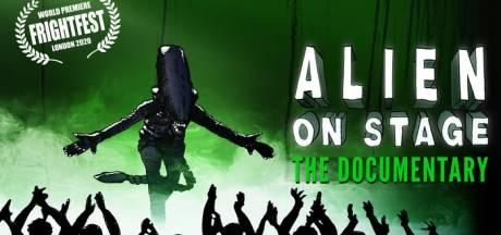 Britse buschauffeurs brengen filmklassieker Alien op de planken