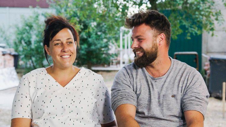 Loes en Kim doen mee aan het tv-programma 'Een Frisse Start met Vtwonen'.