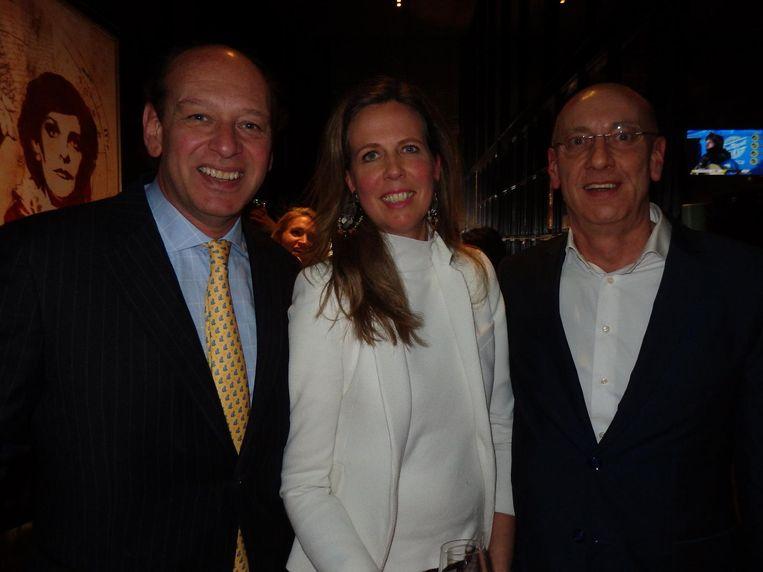 Jan-Willem Slager (All into sales), partner Nicole Bader en Gertjan Freutel (Julius Baer, vlnr) Beeld Schuim